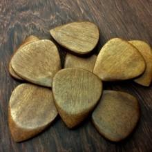 San / Amaranth Holz