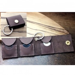 1x brown pouch, for 3 plectra, handcrafted