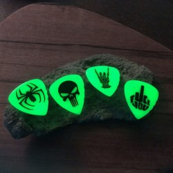 1X Rogers , Kirinite ,Green Glow in the Dark